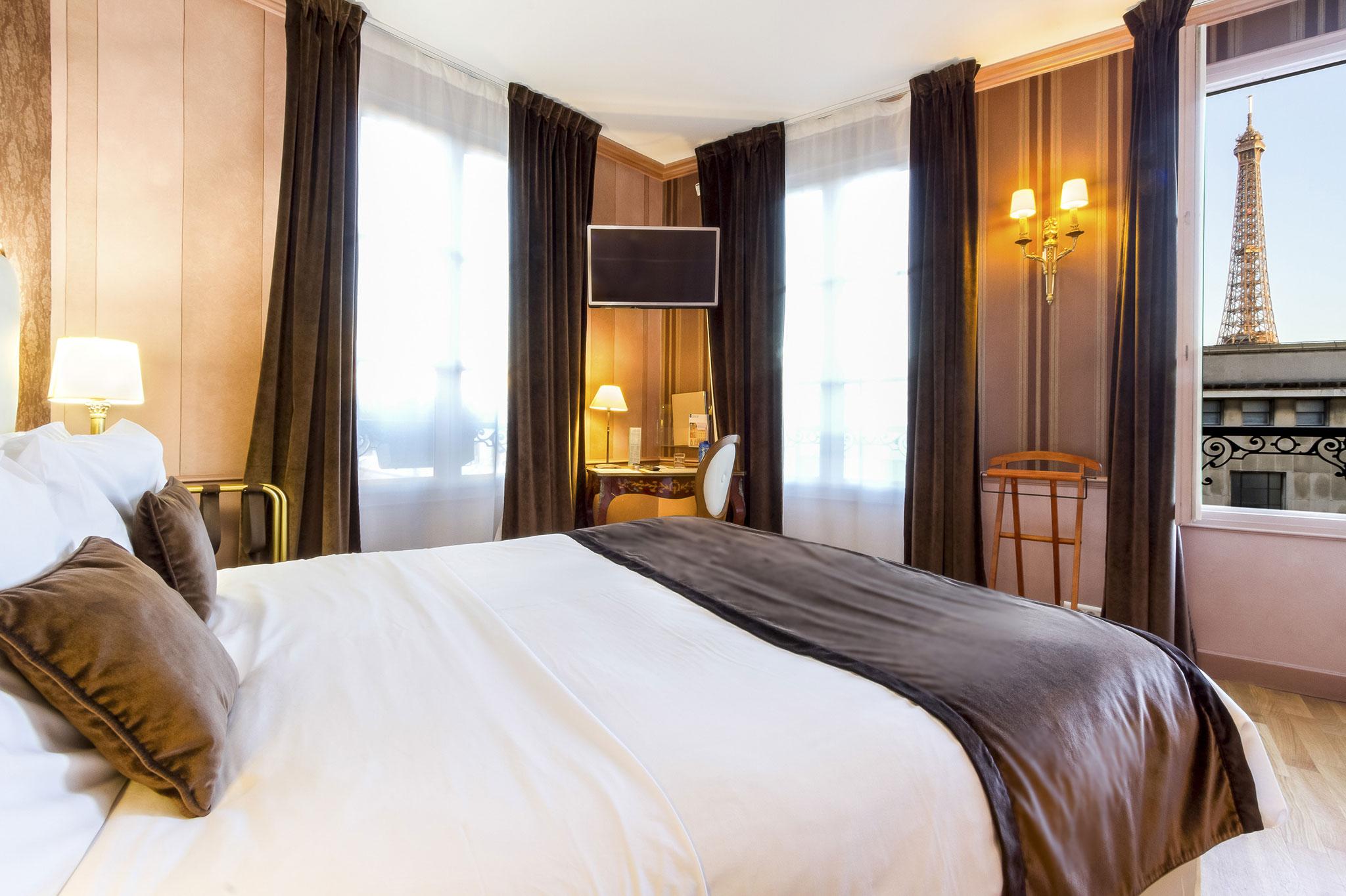 Chambre de luxe avec vue hotel eiffel trocadero paris - Chambre luxe paris ...